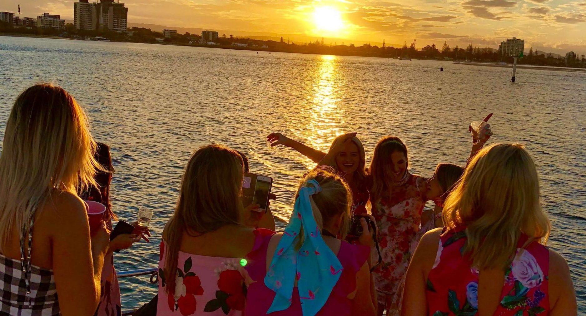 Gold Coast Canal Cruises 🥂 Party Boat Cruise
